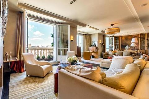 2 bedroom apartment - 75006 Paris 06 Luxembourg, Paris, Île-de-France