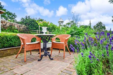 3 bedroom semi-detached house for sale - Eridge Road, Groombridge, Tunbridge Wells, East Sussex