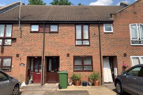 2 bedroom terraced house for sale - Warwick Row,  Aylesbury,  HP20
