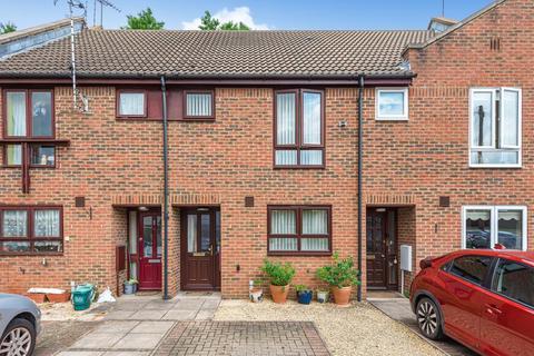 2 bedroom terraced house for sale - Aylesbury,  Buckinghamshire,  HP20