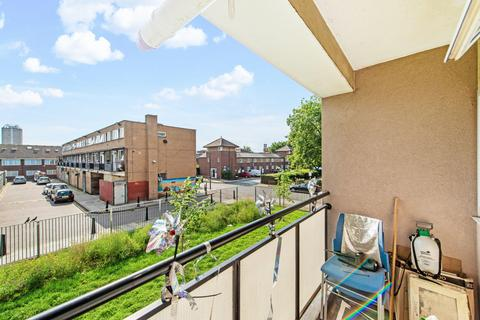 4 bedroom flat for sale - Christian Street, London E1