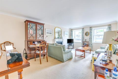 2 bedroom flat for sale - Royal Belgrave House, Hugh Street, London