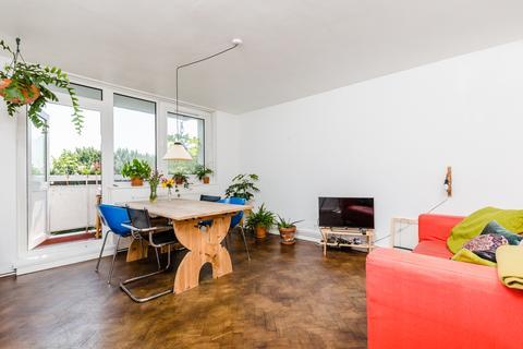 2 bedroom flat for sale - Chisley Road, South Tottenham N15