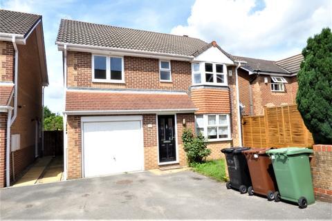 4 bedroom detached house to rent - Moorland View, Rodley, Leeds LS13