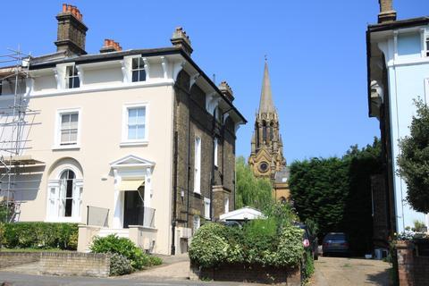 3 bedroom flat for sale - Church Terrace, London SE13