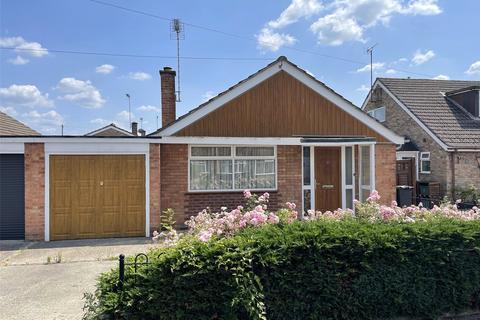 2 bedroom bungalow for sale - Kingstone Avenue, Hucclecote, Gloucester, GL3