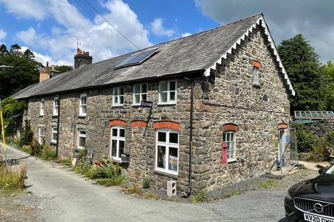 4 bedroom end of terrace house for sale - Bont Dolgadfan, Llanbrynmair, Powys, SY19