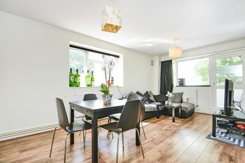 3 bedroom flat to rent - Dagnall Street Battersea SW11