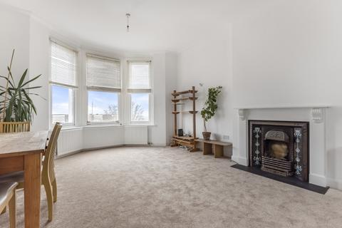 3 bedroom apartment to rent - Eglinton Hill Woolwich SE18