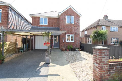 3 bedroom detached house for sale - Sea View Road, Upton, Poole BH16