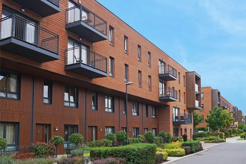 3 bedroom apartment to rent - Conningham Court, Kidbrooke Village, London SE3