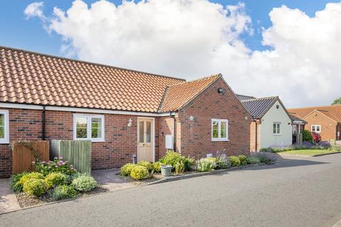 2 bedroom semi-detached bungalow for sale - Jasmine Walk, Swanton Morley