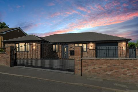 3 bedroom detached bungalow for sale - Litton Close, Staveley, Chesterfield