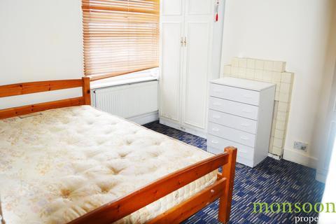 3 bedroom flat to rent - 85 Granville Road