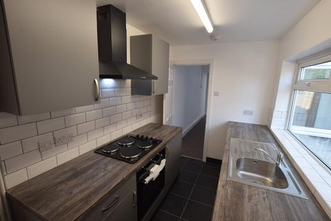 3 bedroom terraced house to rent - Victoria Street, STOKE-ON-TRENT