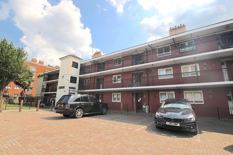 1 bedroom flat for sale - Woodseer Street, London