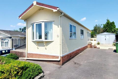 1 bedroom bungalow for sale - Lycetts Orchard, Box