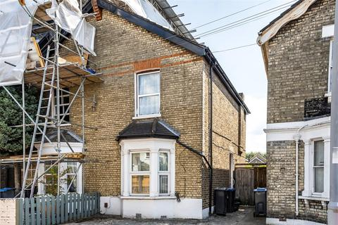 3 bedroom semi-detached house for sale - Canbury Park Road, Kingston Upon Thames