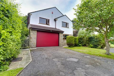 4 bedroom detached house for sale - Fairway, Guiseley, Leeds