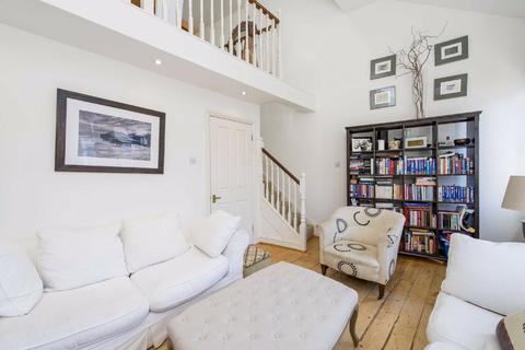 2 bedroom flat to rent - Kilkie Street, Fulham, London, SW6