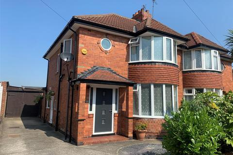3 bedroom semi-detached house for sale - Southolme Drive, Rawcliffe