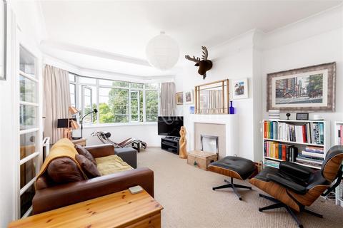 2 bedroom flat for sale - Belsize Avenue, Belsize Park, NW3