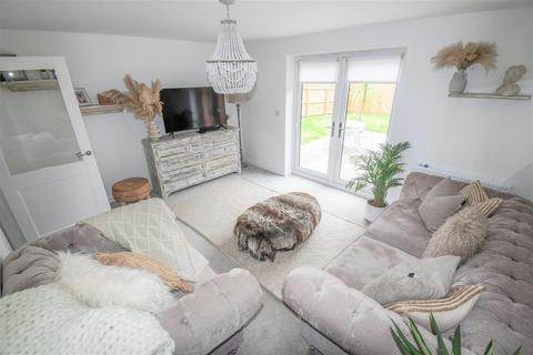 3 bedroom semi-detached house for sale - Tin Lane, Hull