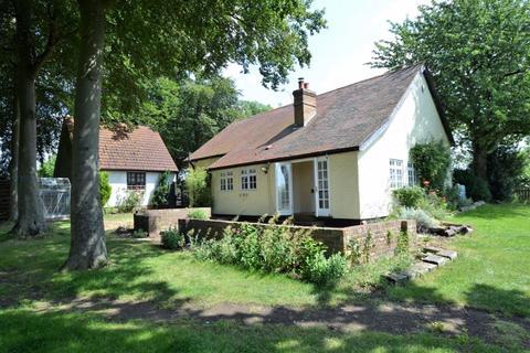 3 bedroom detached house to rent - Walkern, Hertfordshire