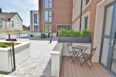 2 bedroom apartment to rent - Optimal House, Station Road, Gerrards Cross, SL9