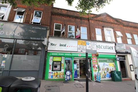 2 bedroom flat for sale - Central Road, Worcester Park KT4