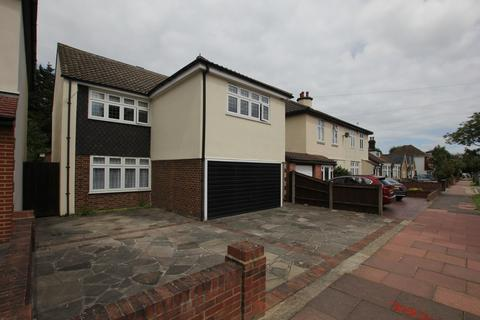 3 bedroom detached house to rent - Old Farm Road, Sidcup, DA15