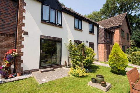 1 bedroom flat for sale - Rosecott, Havant Road, Horndean, Waterlooville, PO8 0XA