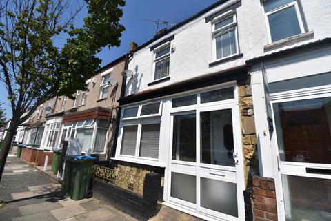 2 bedroom terraced house to rent - Marmadon Road Plumstead SE18