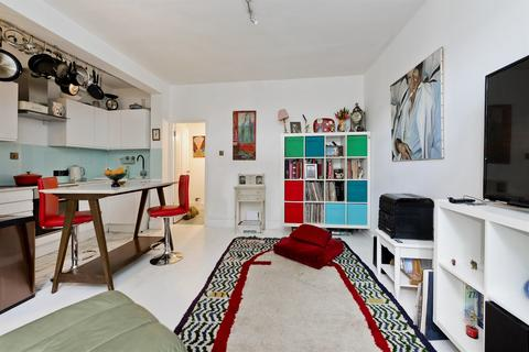 2 bedroom flat for sale - St Charles Square, London, W10