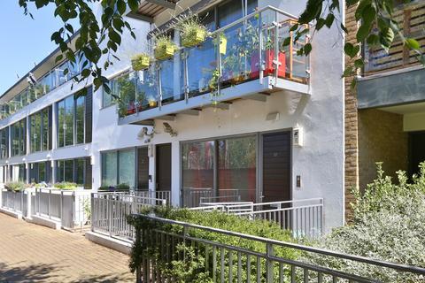 2 bedroom maisonette to rent - Paradise Passage, Islington N7