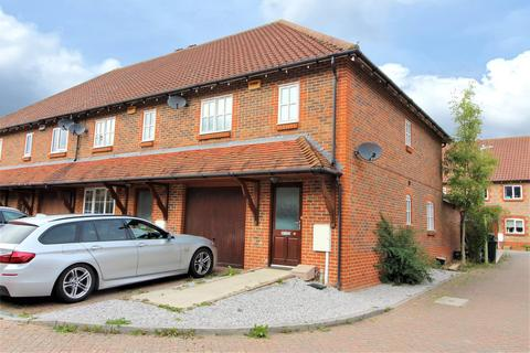 3 bedroom end of terrace house to rent - Brisley Court, Ashford, Kent