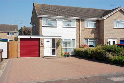 3 bedroom semi-detached house for sale - Towncroft, Chelmsford
