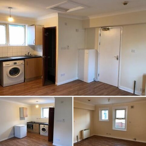 Studio to rent - Arthur Road