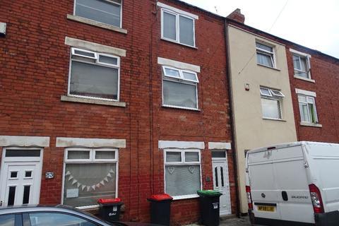 3 bedroom terraced house to rent - 85 Silk Street