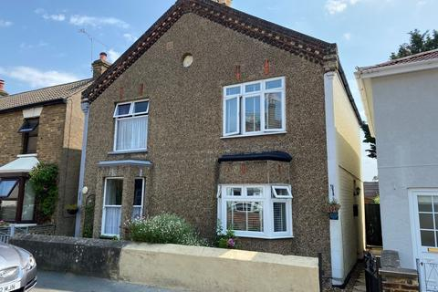 3 bedroom semi-detached house for sale - NEW ROAD, Staines Upon Thames, TW18