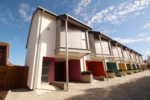 3 bedroom end of terrace house for sale - St Marys Mews, Cheltenham, GL51