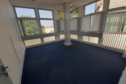 Office to rent - Hershem, KT12