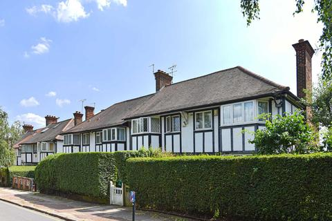 3 bedroom end of terrace house for sale - Princes Avenue, W3