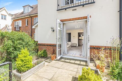 1 bedroom flat for sale - Cobham Grange, 42 Between Streets, Cobham, KT11