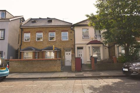 3 bedroom flat to rent - Avenue Road, Tottenham, London, N15