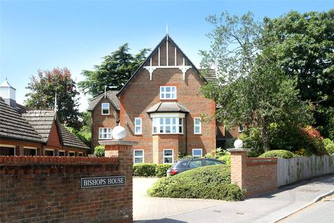 2 bedroom apartment to rent - Reynolds Road, Beaconsfield, HP9