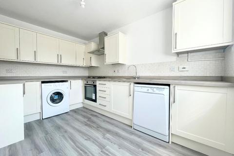 4 bedroom townhouse to rent - Pinewood Drive, Cheltenham, GL51