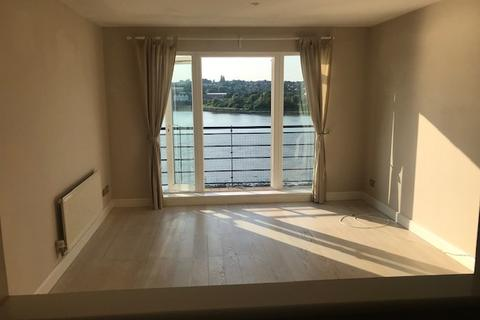 2 bedroom flat to rent - Keating Close, Rochester, ME1