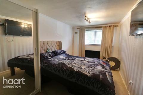 3 bedroom maisonette for sale - Waltham Close, Orpington