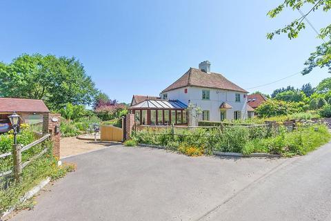 3 bedroom detached house for sale - Hazel Street, Stockbury, Sittingbourne, Kent, ME9
